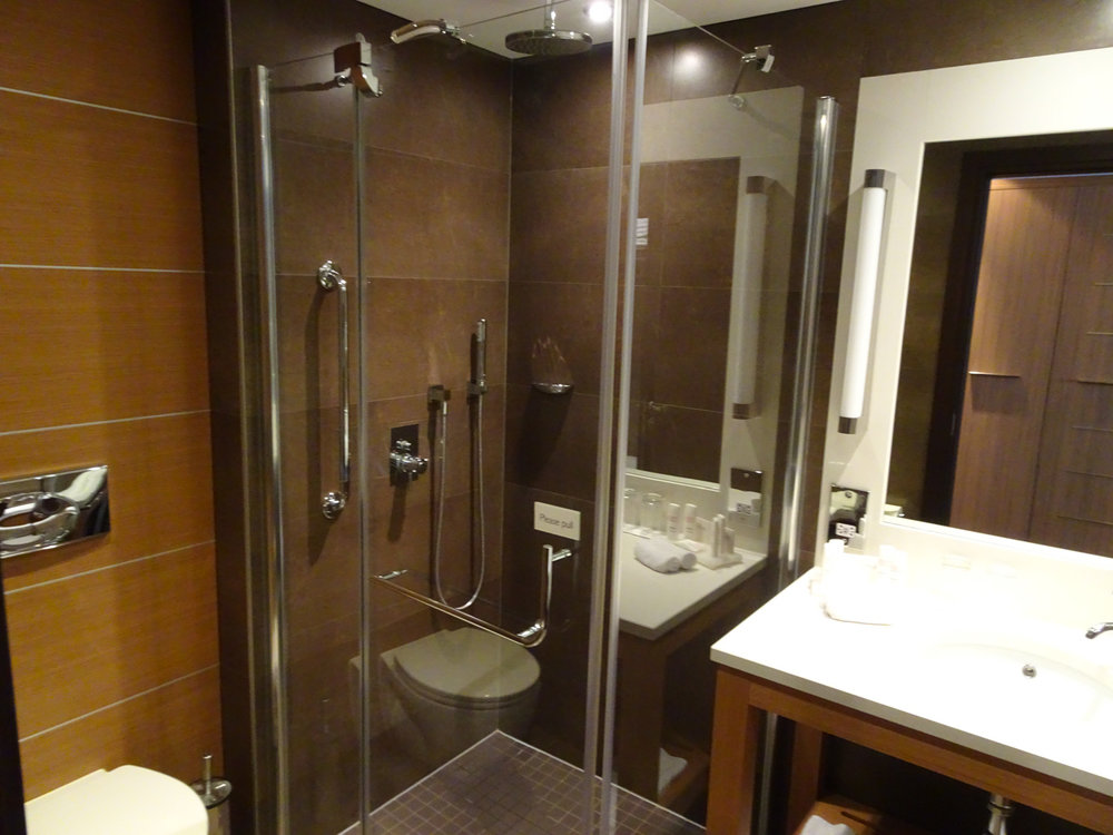 Massive Bathrooms - Radisson Blu Dublin  Photo: Calvin Wood