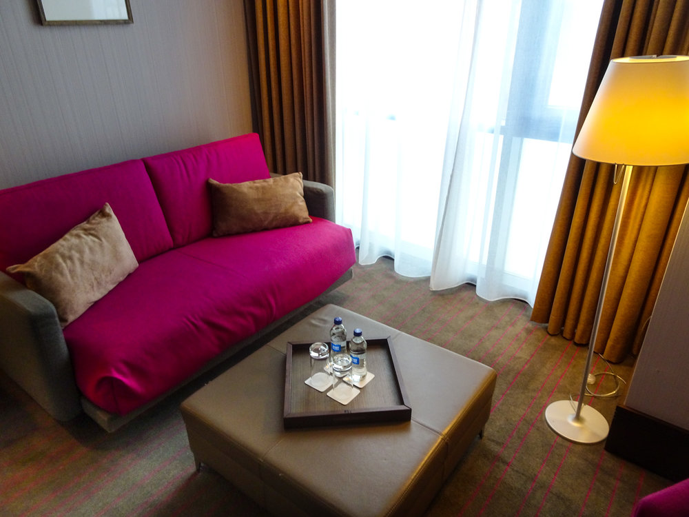 Sitting Area - Bedroom - Radisson Blu Dublin   Photo: Calvin Wood