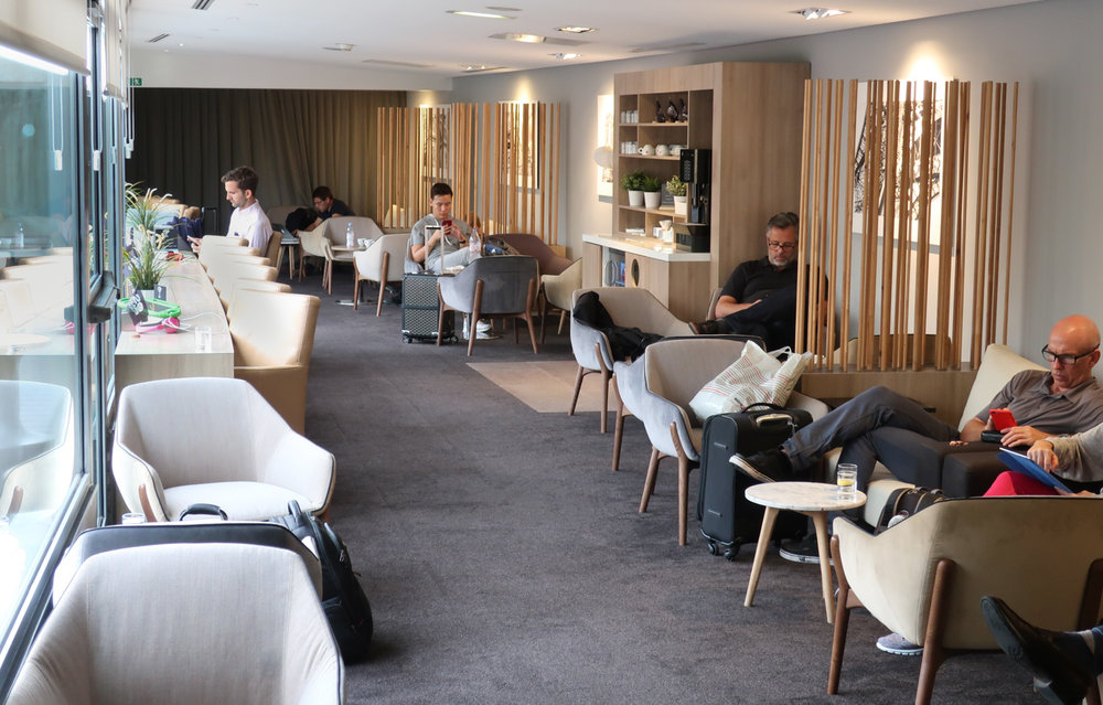 Seating Overlooking Patio - Star Alliance Lounge Paris   Photo: Calvin Wood