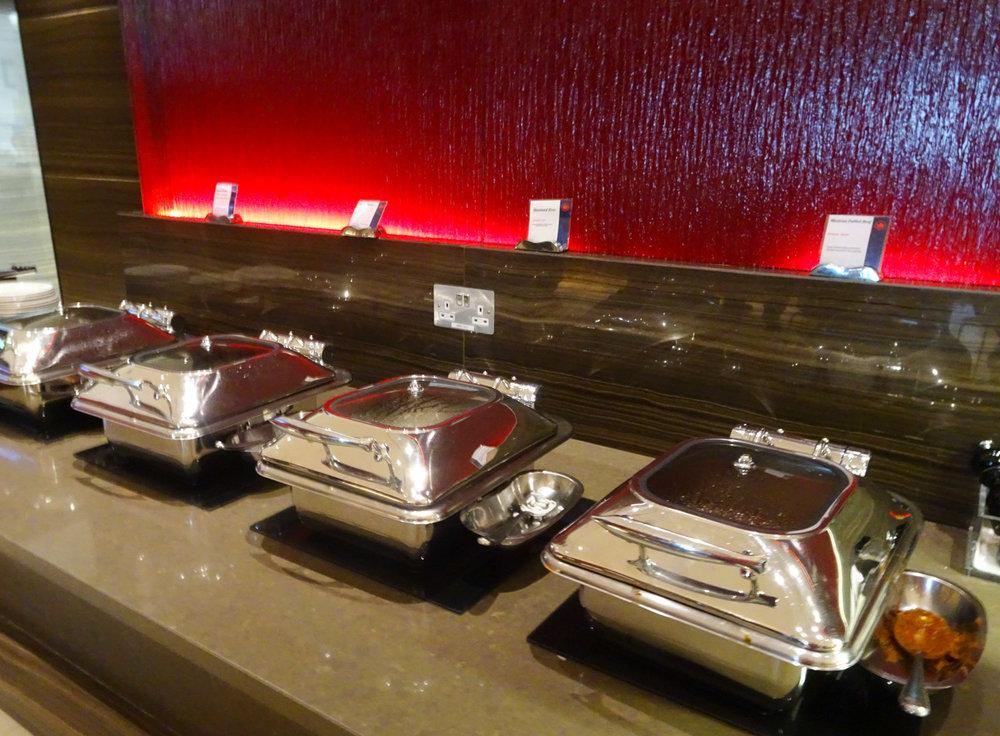 Hot Dishes - Air Canada Lounge - London Heathrow  Photo: Calvin Wood