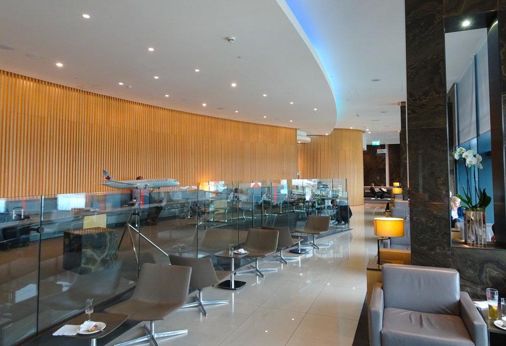 Mod, Spacious Seating - Air Canada Lounge - London Heathrow  Photo: Calvin Wood
