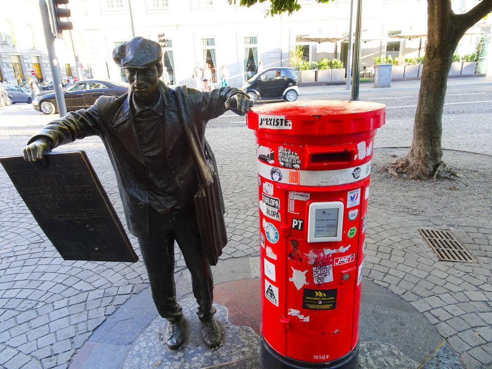 Portuguese Mailbox  Photo: Calvin Wood