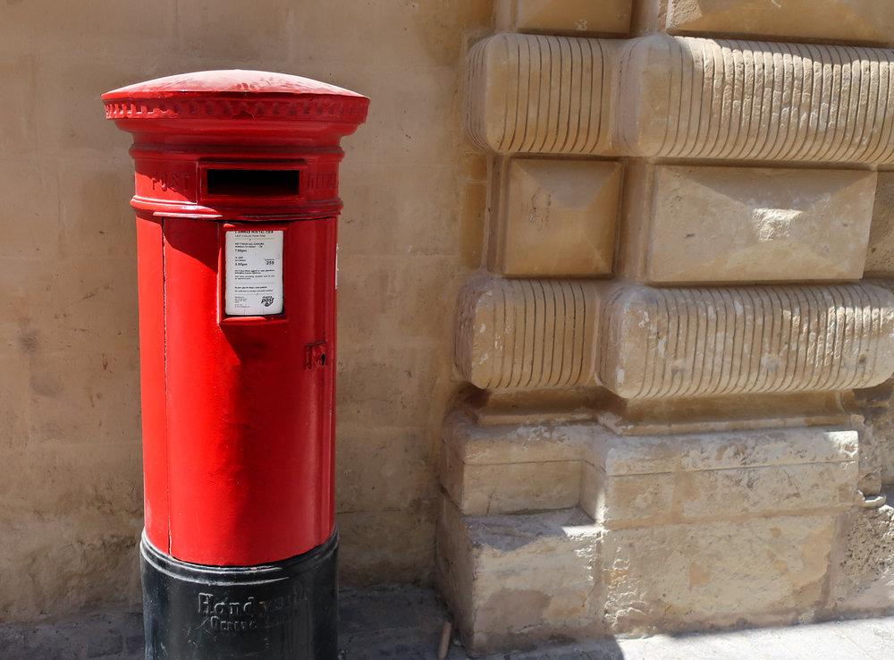 Maltese Mailbox  Photo: Calvin Wood