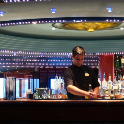 NCL SPIRIT LOUNGES - Martinis in the Med