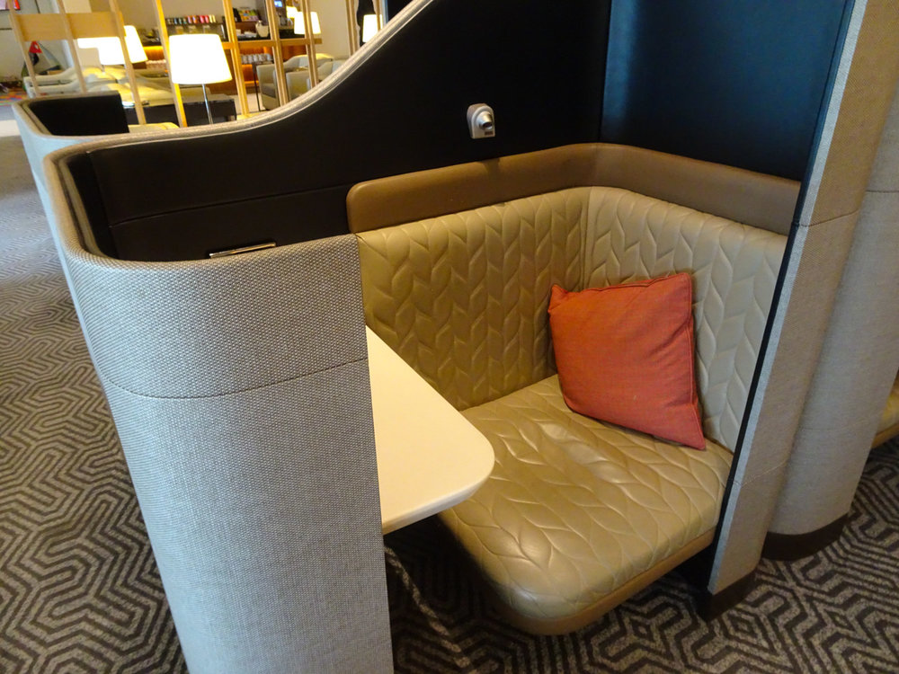Custom Lux Seating - Singapore Airlines Lounge London   Photo: Calvin Wood