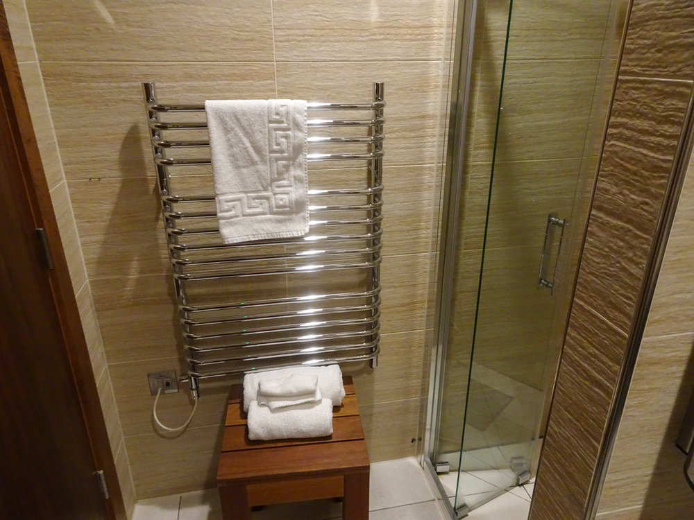Towel Warmer - Singapore Airlines Lounge London   Photo: Calvin Wood