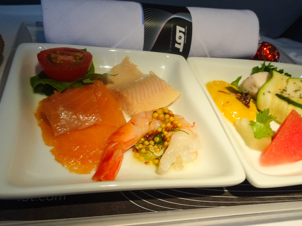Business Class Snack - LOT Polish Airlines - Photo: Calvin Wood