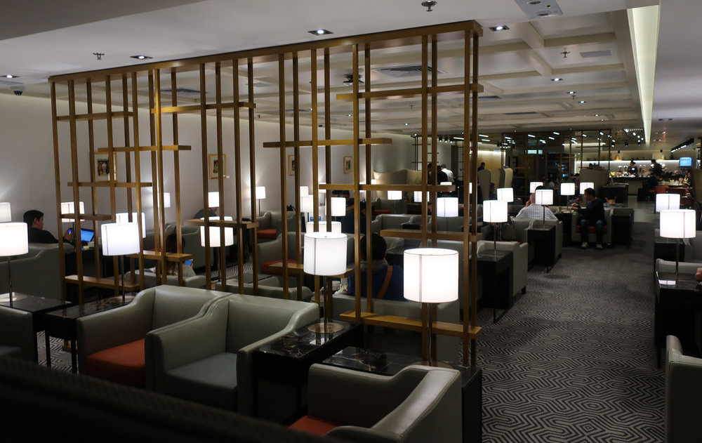 Tons of Seating - Singapore Airlines Lounge Hong Kong - Photo: Calvin Wood