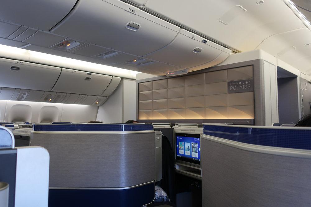 Interior - United Polaris Business Class - 777-300 Photo: Calvin Wood