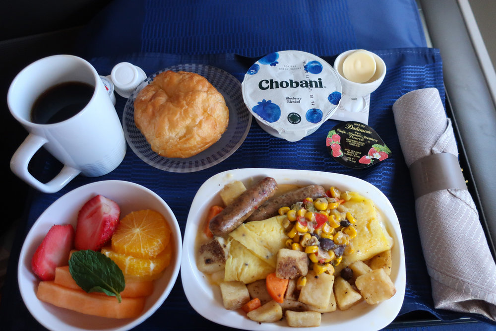 Business Class Breakfast - United Airlines Newark to Tokyo    Photo: Calvin Wood