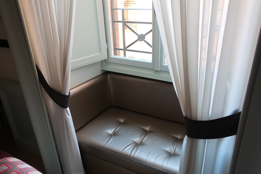 Alcove Seat - Single Room - Indigo Hotel Rome    Photo: Calvin Wood