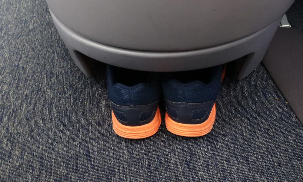 Footwear Storage - United Boeing 767-400  Photo: Calvin Wood