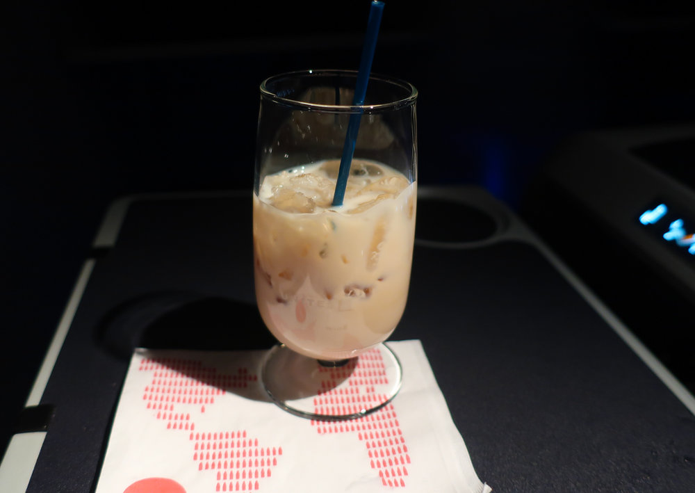 After-Dinner Baileys - United Domestic First Class    Photo: Calvin Wood