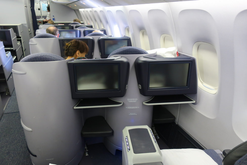 Domestic First Class Cabin - United Boeing 767-400  Photo: Calvin Wood