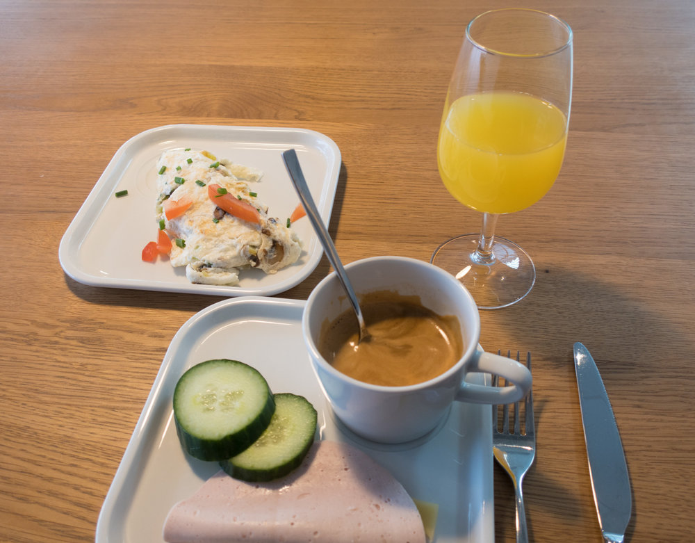 Cooked-to-Order Eggs - Swiss Senator Lounge Zurich    Photo: Calvin Wood