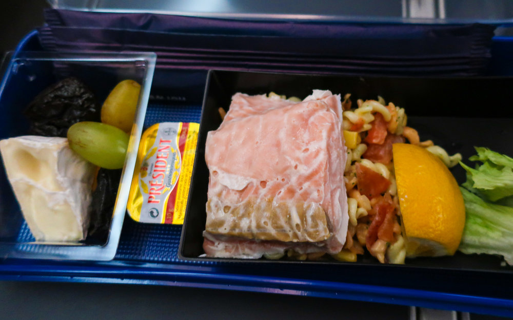 Pre-Arrival Snack - Norwegian Airlines Premium Cabin    Photo: Calvin Wood