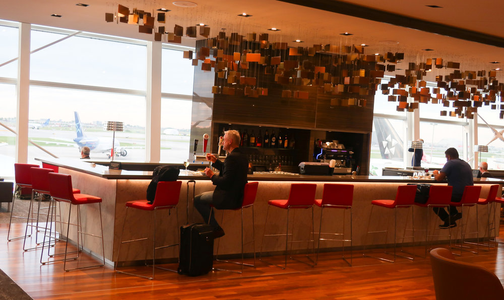 Cocktail Bar - Maple Leaf Lounge Montreal    Photo: Calvin Wood