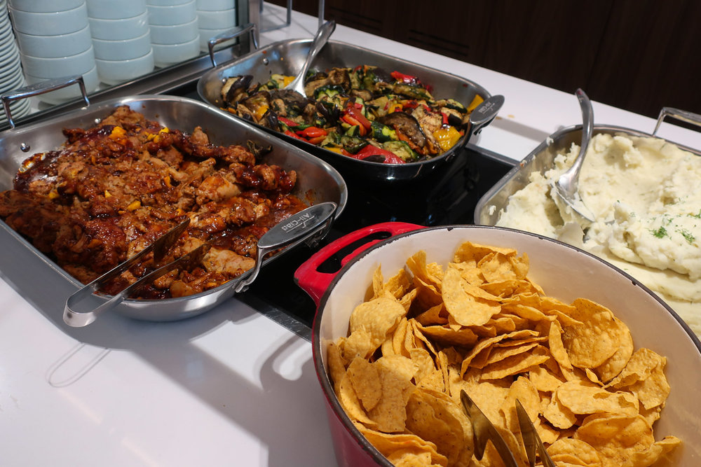 Hot Dishes - Maple Leaf Lounge Montreal    Photo: Calvin Wood
