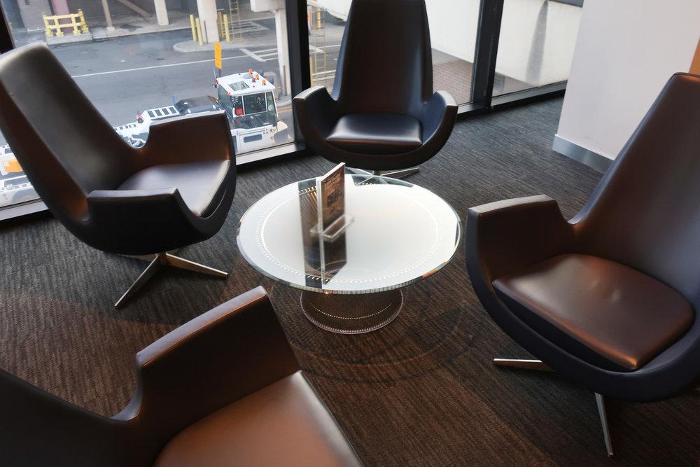 Mod Design at the United Club - Terminal A Newark  Photo: Calvin Wood