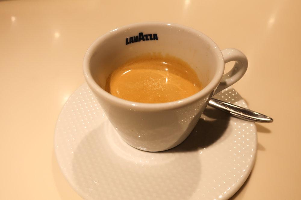 Double Espresso - Lufthansa Welcome Lounge Frankfurt  Photo: Calvin Wood