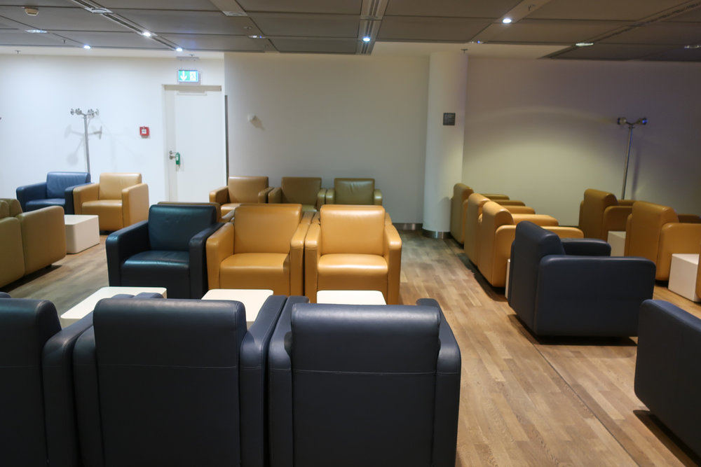 Comfy Seating - Lufthansa Welcome Lounge Frankfurt  Photo: Calvin Wood