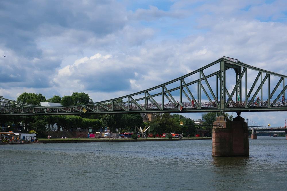 Eiserner Steg - Frankfurt  Photo: Calvin Wood