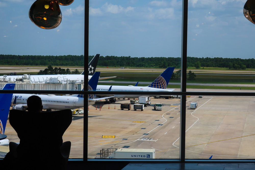 Houston  Polaris Lounge  View - United Airlines    Photo: Calvin Wood