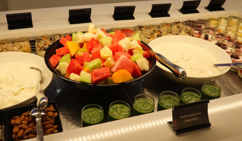 Smoothies & Fresh Fruit - Air New Zealand Lounge Sydney  Photo: Calvin Wood