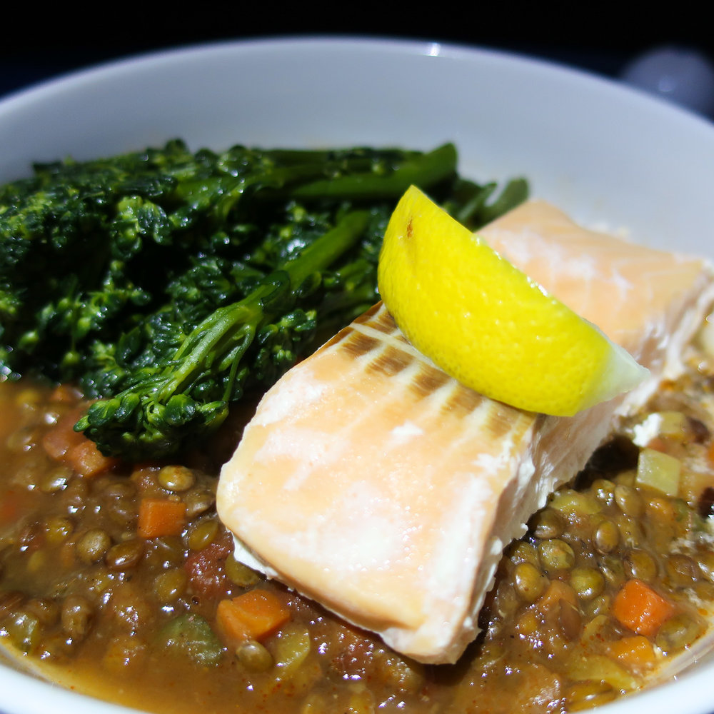 Salmon & Lentil Main - United Business - LAX to Melbourne    Photo: Calvin Wood