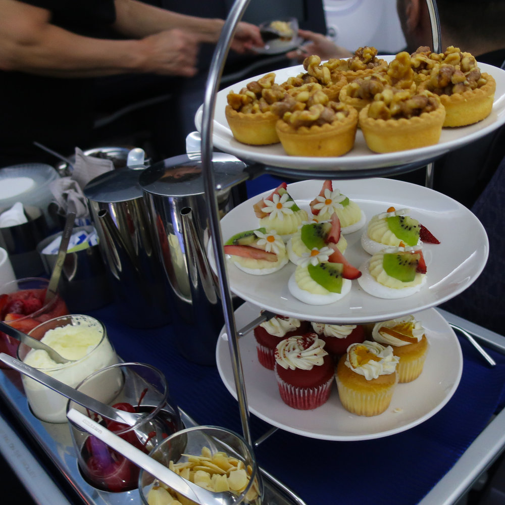 Dessert Tower - United Business Class 787    Photo: Calvin Wood