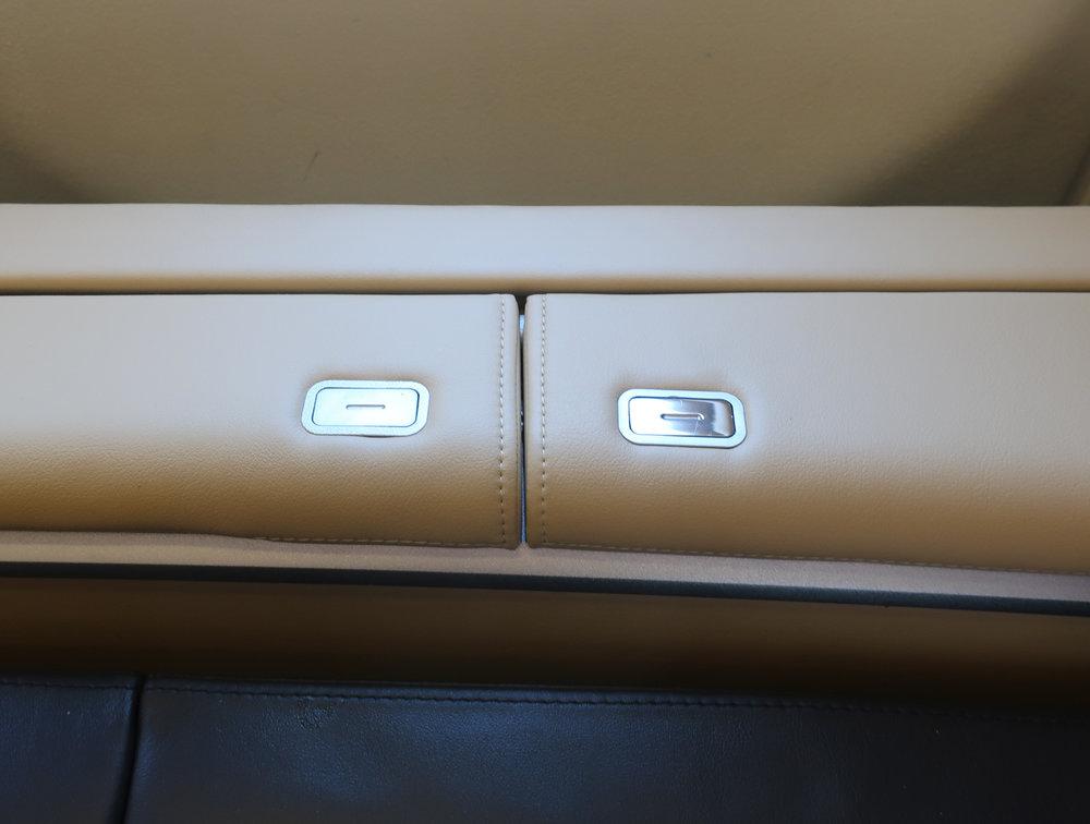 Side Seat Storage - Lufthansa Fist Class A340