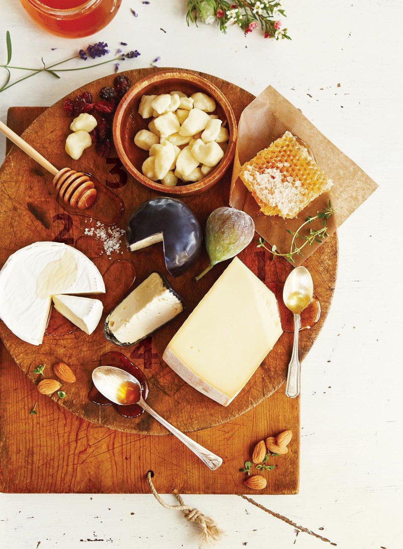 Photographie  Maude Chauvin   Stylisme d'accessoires  Karine Blackburn  Stylisme culinaire   Anne Gagné
