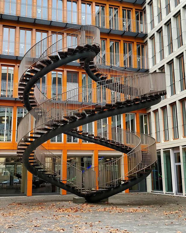 Everyone at #KPMG #München is lazy. I was there for 10mins and no one took the stairs... #stairsfit