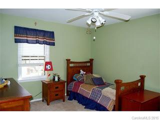 2-guestroom.jpg
