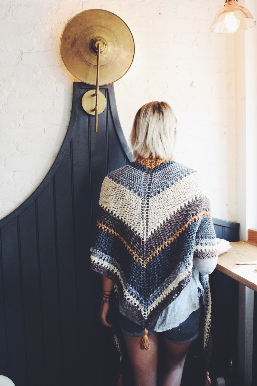 Coffee Shop Wrap Pattern — Two of Wands