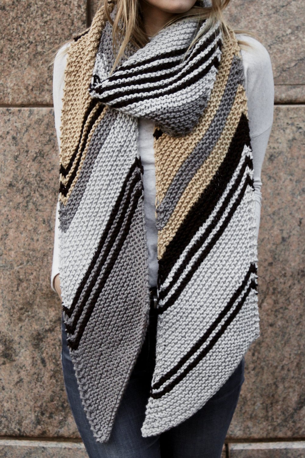 Metro Bias Scarf pattern by Two of Wands