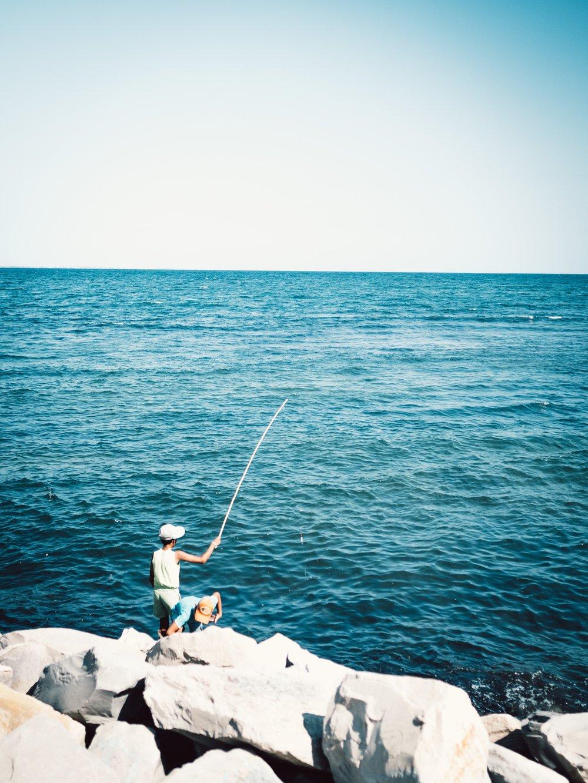 beach-body-of-water-boulders-1387549.jpg