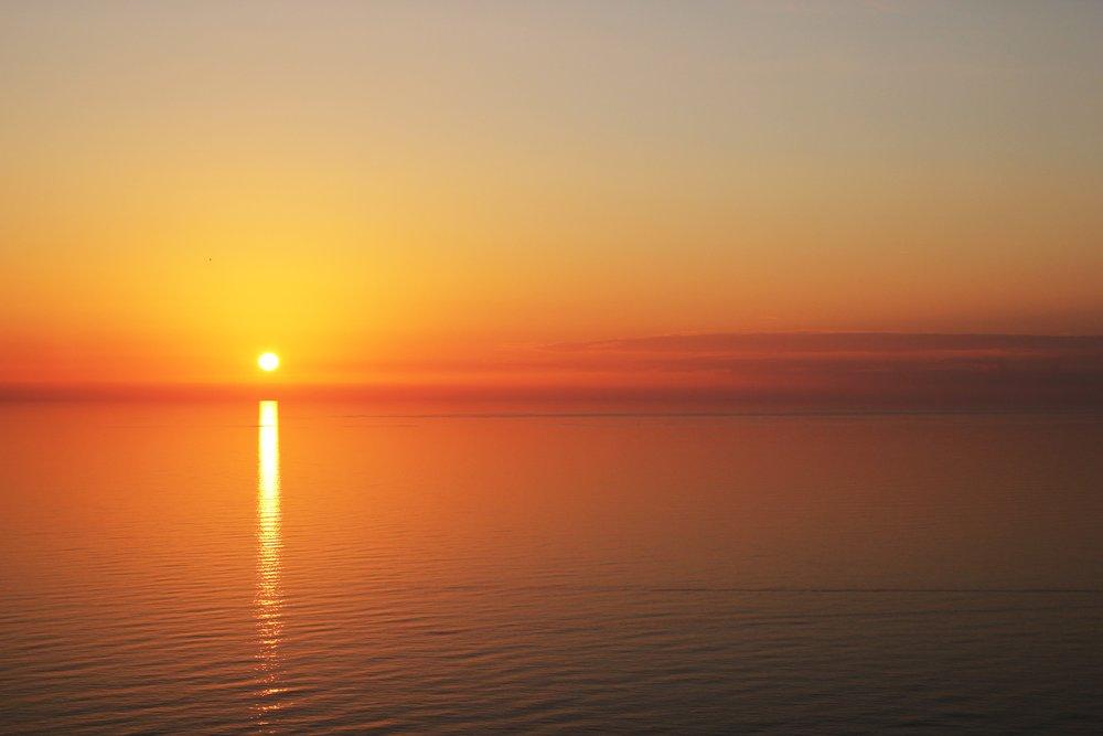 backlit-beach-beautiful-434551.jpg