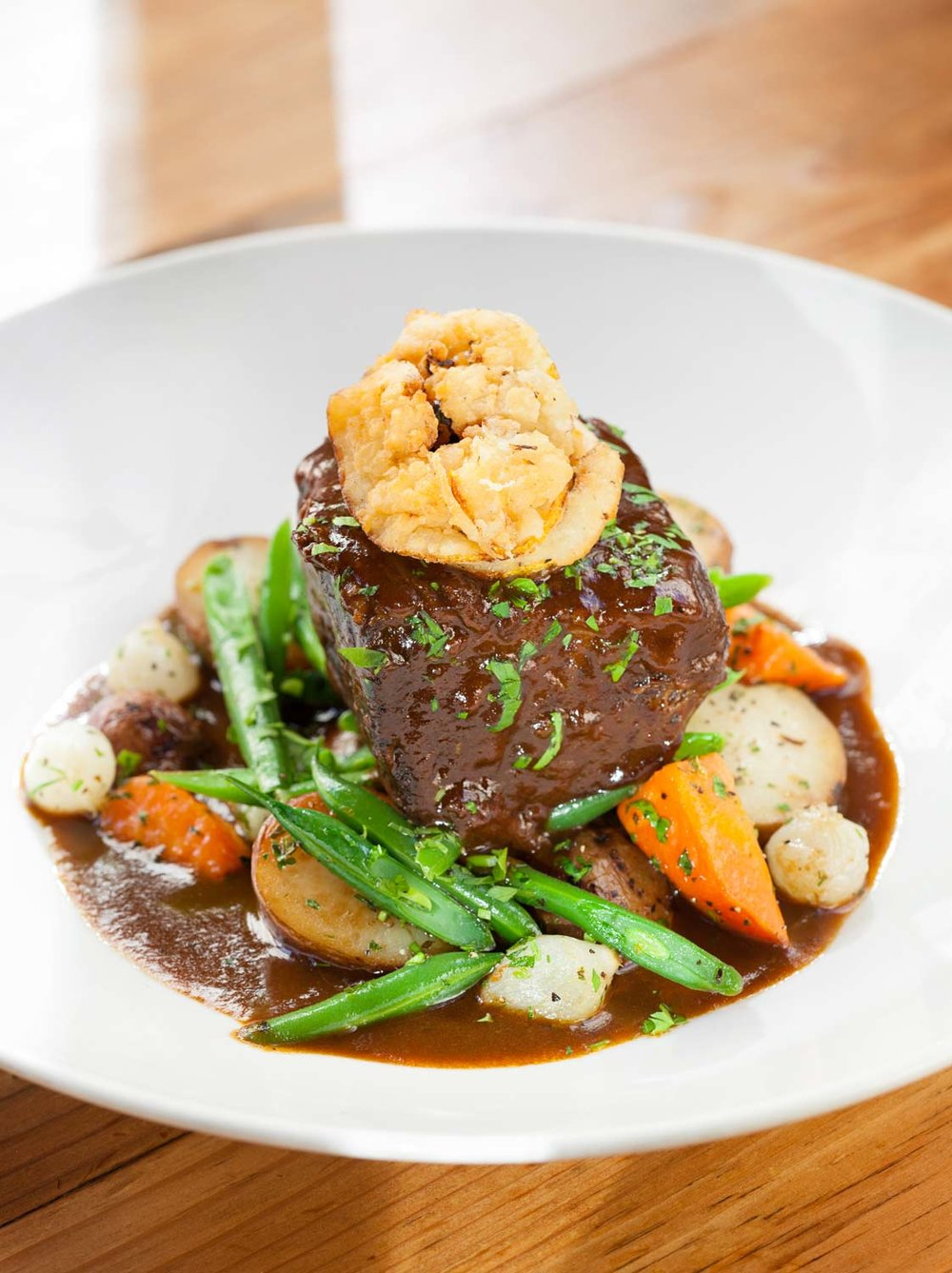 food_photography_potatoe_carrot_onion_short_rib_lemon_green_beans.jpg