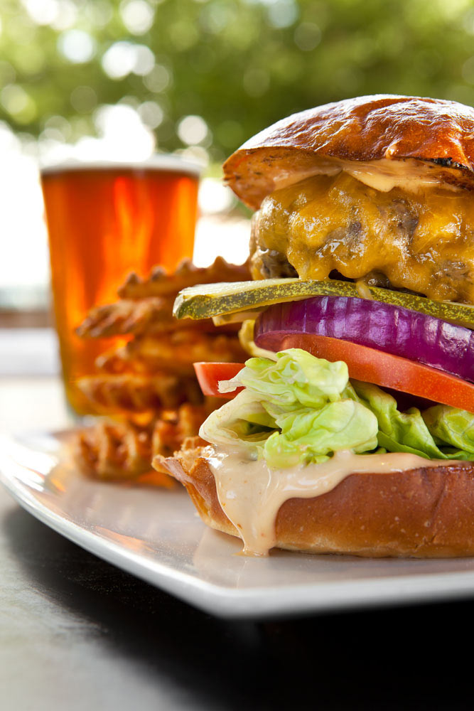 Food_Photography_Best_Burger_sacramento_firestone_public_house_pickles_onions_beer_craft_brew_pub.jpg