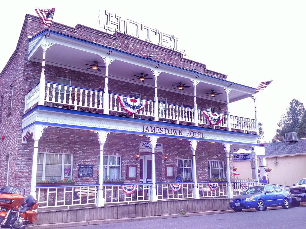 jamestown-hotel.jpg