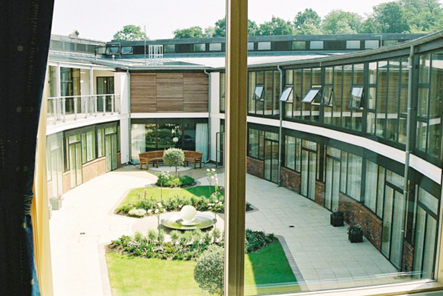 princess_alice_hospice_courtyard2.jpg