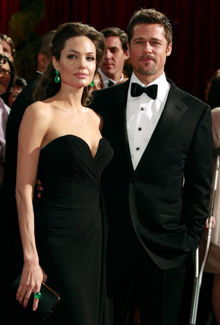 240780-brad-pitt-and-angelina-jolie