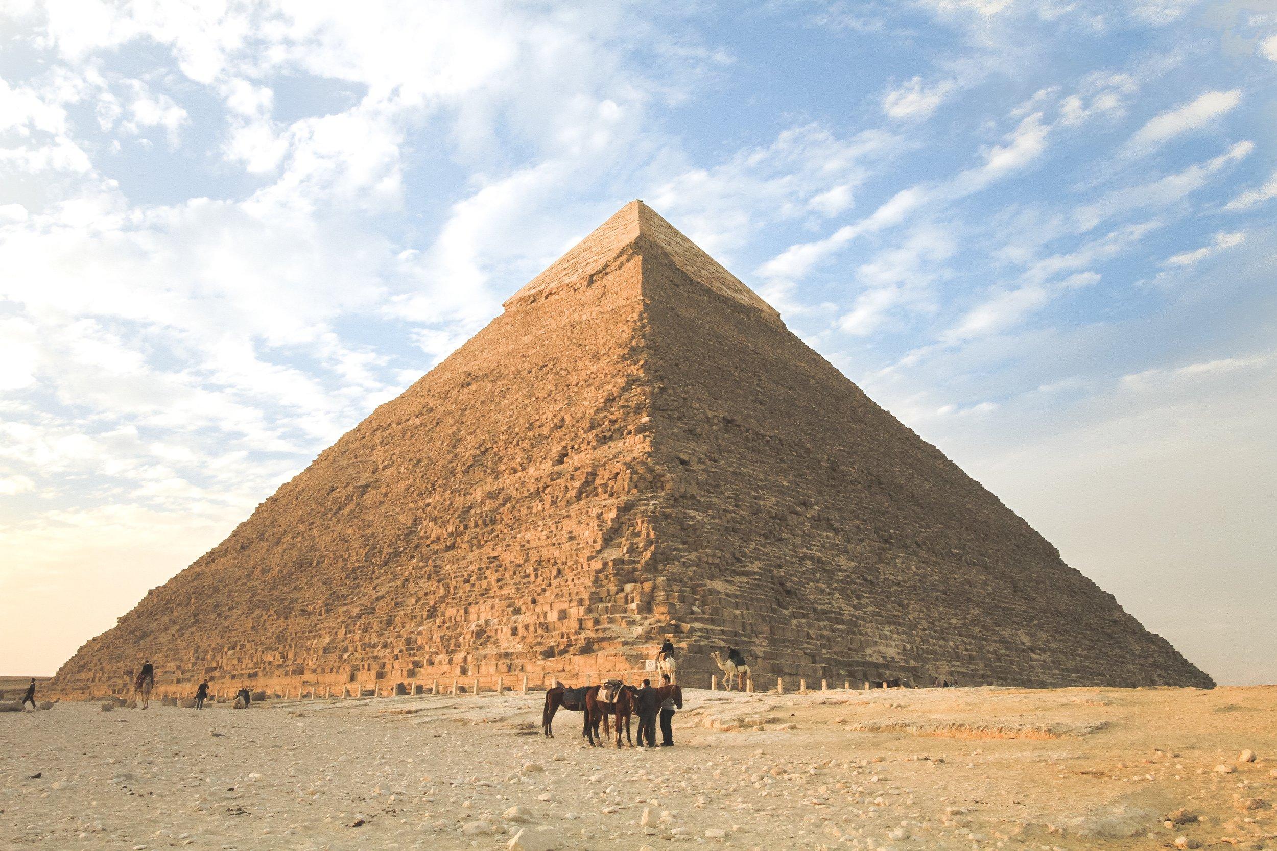 қазір солитье пирамидасында ойнаңыз