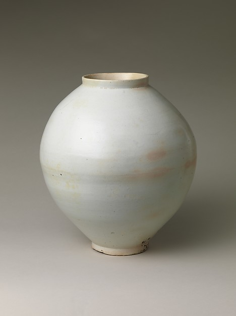 Moon Jar from the Joseon dynasty (1392–1910), created by joining two hemispherical halves. Via the  Metropolitan Museum of Art archives