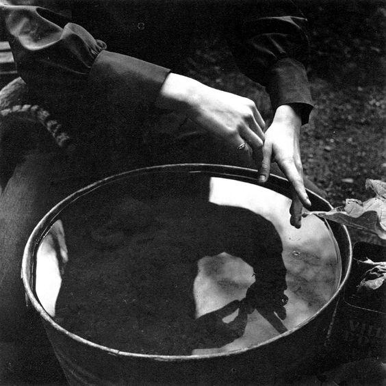 Aiko's Hands, by Imogen Cunningham, 1971