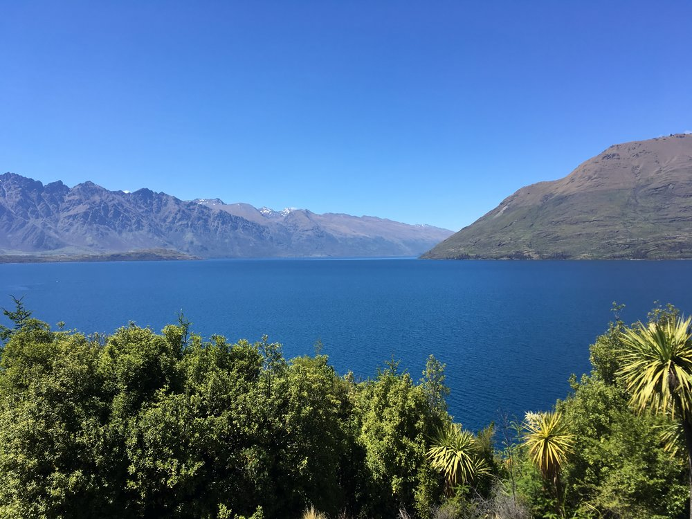 Looking over lake Wakatipu on a glorious Queenstown day.