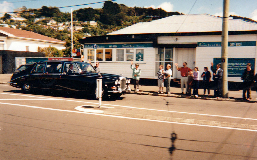 The Queen driving past Kilbirnie Pak N Save