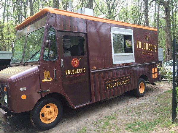Valducci's Pizza Truck.jpg