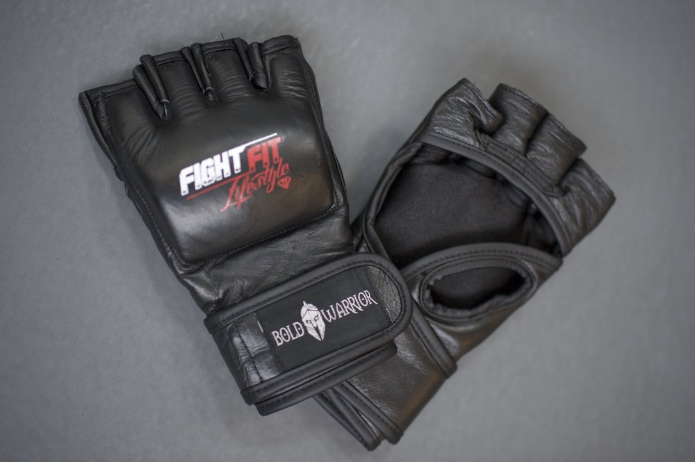 R mma gloves 2.jpg